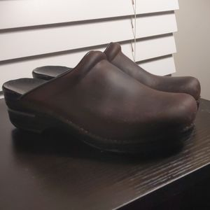 Dansko women's Sonja brown oiled leather clog 38